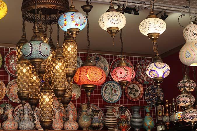 не упустите возможность прикоснуться к истории и культуре сказочного городка Бахчисарай.