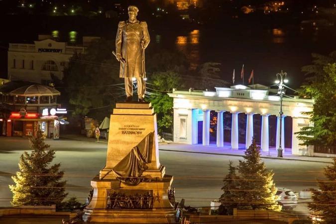 """alt=""""Вечера в Севастополе окутаны завесой тайн."""""""