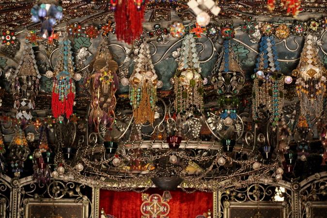 Экскурсия в Бахчисарай .Пещерный город Качи-Кальон и Бисерный православный храм